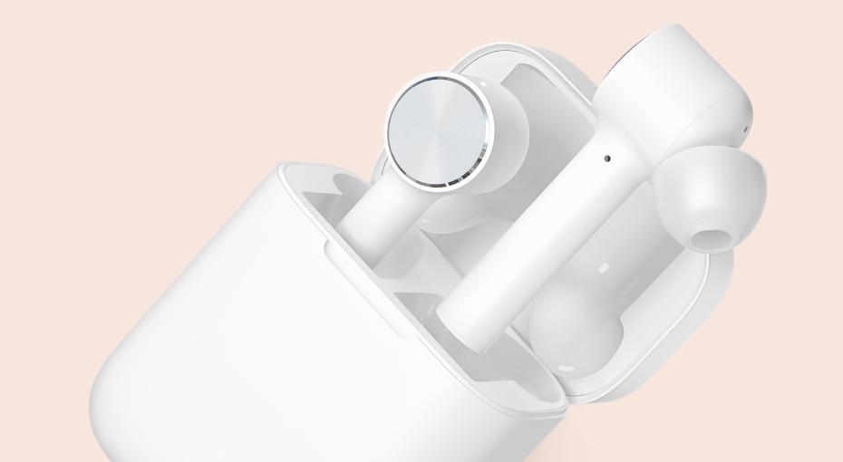 Mi True Wireless Earphones освещение в помещении